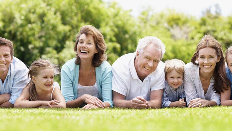 Dentysta opowiada o problemach z higieną jamy ustnej u seniorów