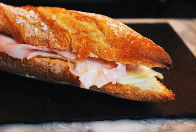jCCsCae7RwCDOKTCA2Ji_reggeli-sonkás-szendvics.jpg